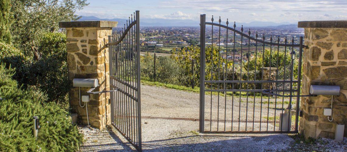 gate-2969597_1920